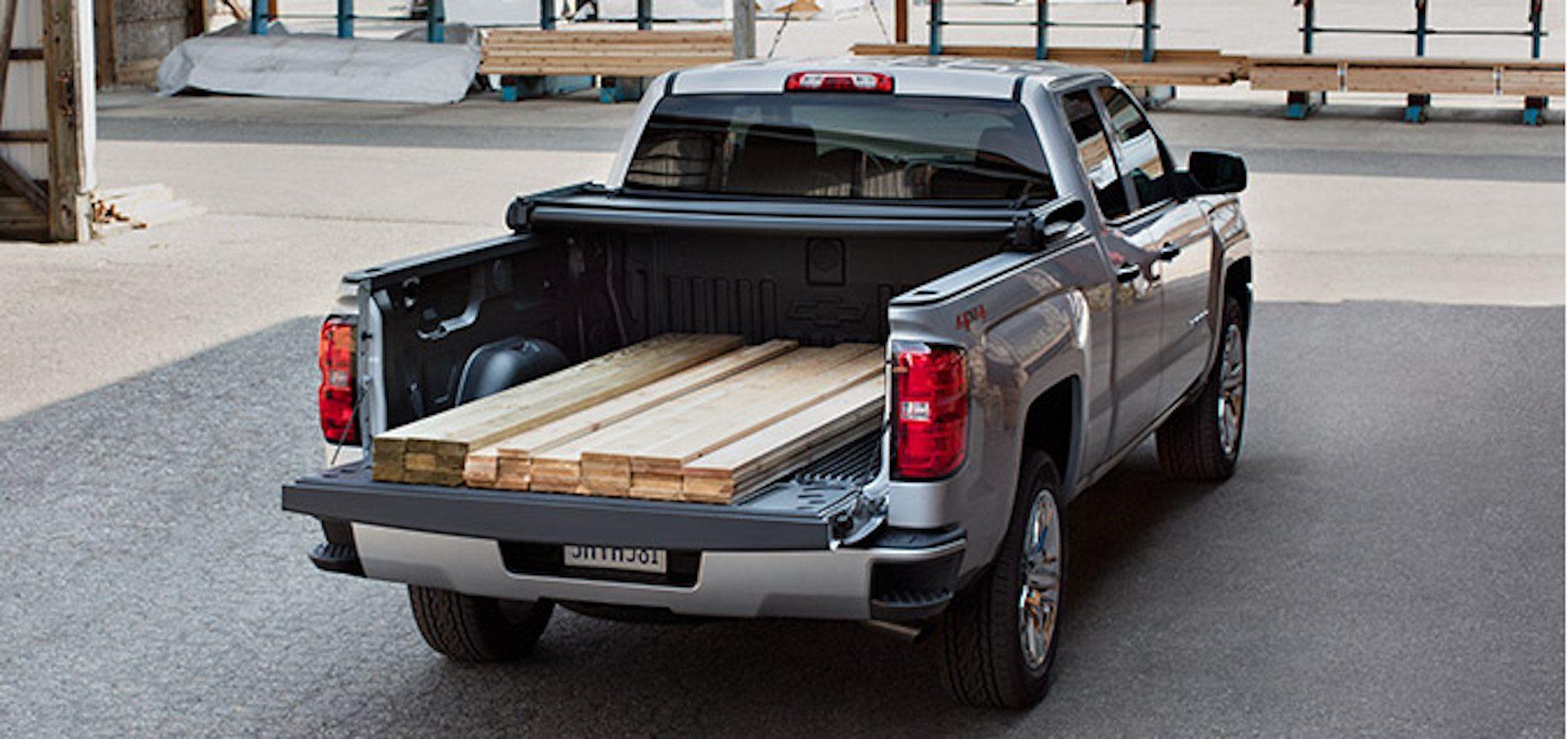 Chevrolet Silverado 2016 : transport plus facile des matériaux