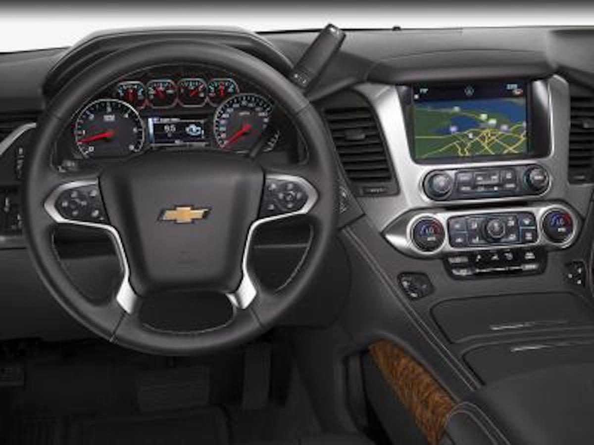 Chevrolet Tahoe 2016 : alertes de conduite et conduite de nuit sécuritaire