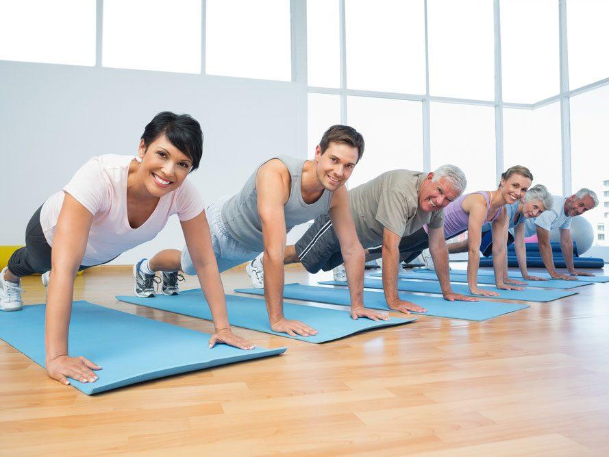 Des mouvements qui font travailler tout le corps
