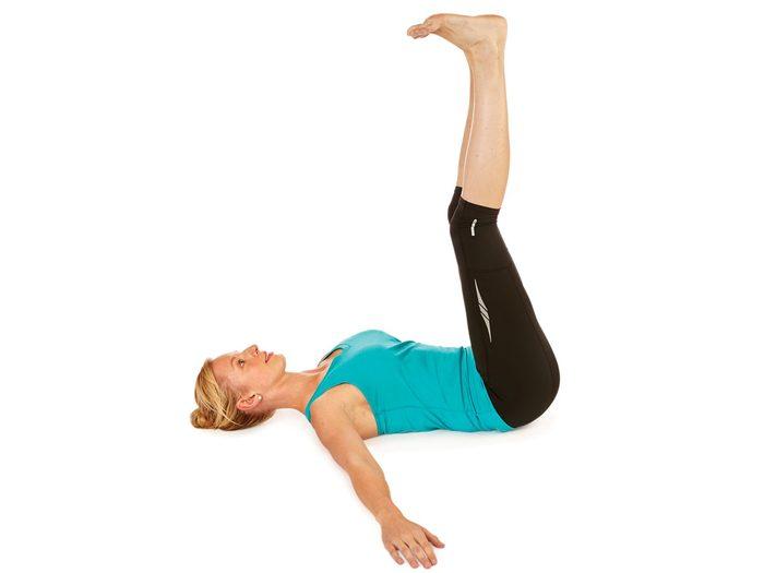 Jambes au mur pour soulager le mal de dos : 2 minutes