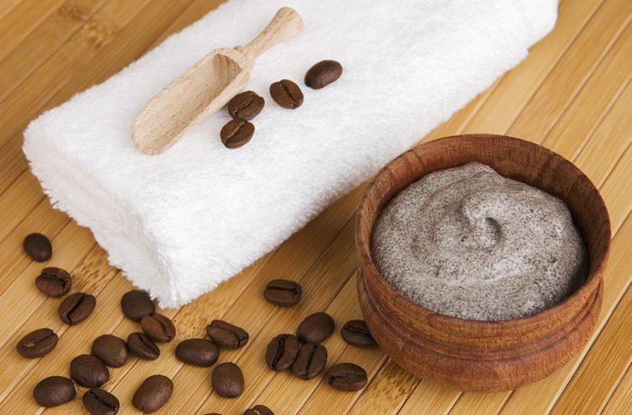Exfoliant à lèvres à base de café