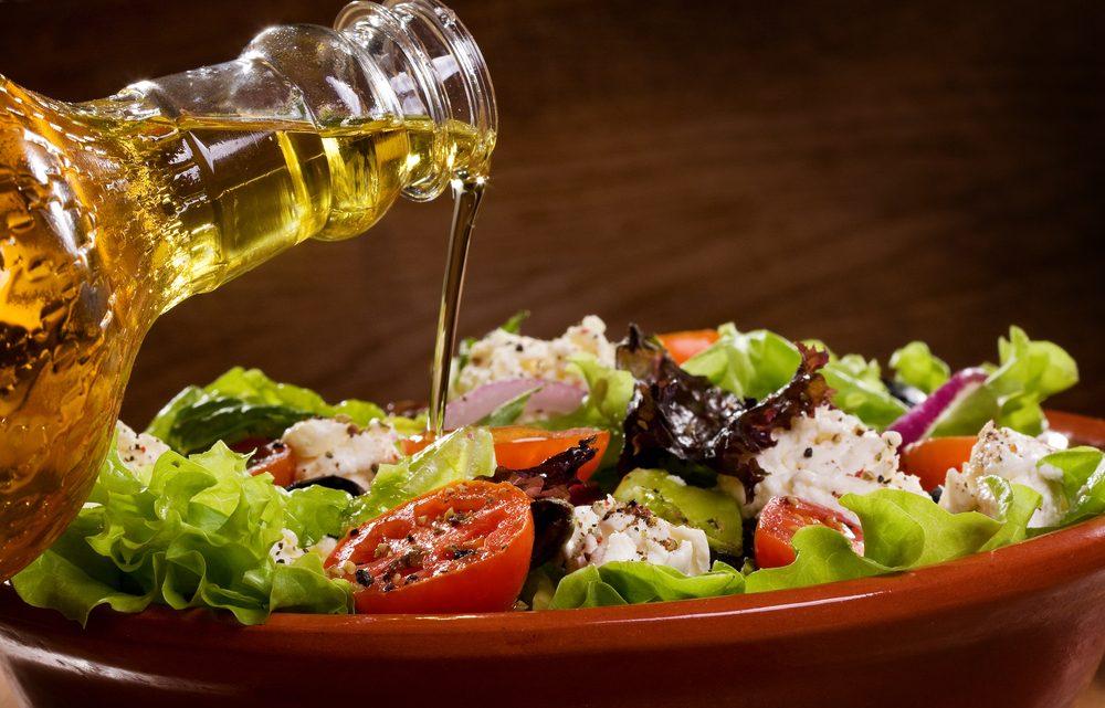 Pour faire baisser son taux de cholestérol, mettez de l'huile d'olive dans votre vinaigrette.