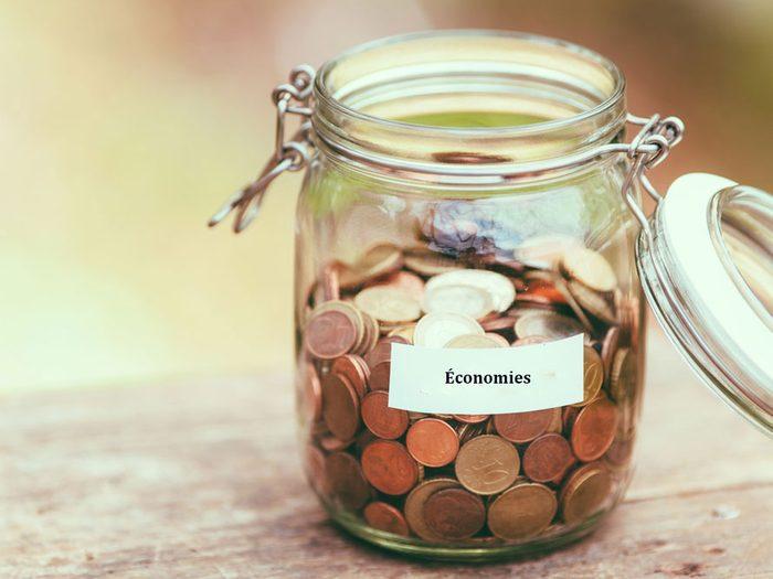 Faites des économies et épargner des centaines de dollars : astuces d'une experte