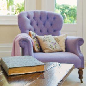 3. A gros fauteuils, petits motifs