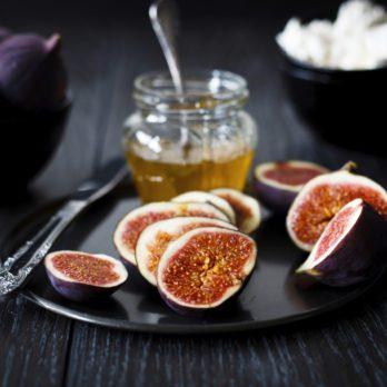 Figues caramélisées au miel et à la ricotta