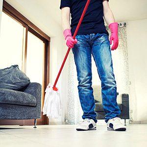2. Ajoutez du vinaigre à l'eau pour la moppe
