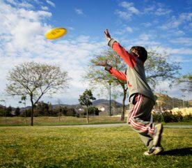 Jouez au frisbee
