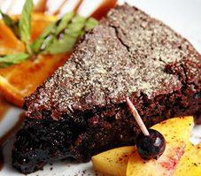 3.Gâteau au chocolat, aux pommes et aux raisons secs