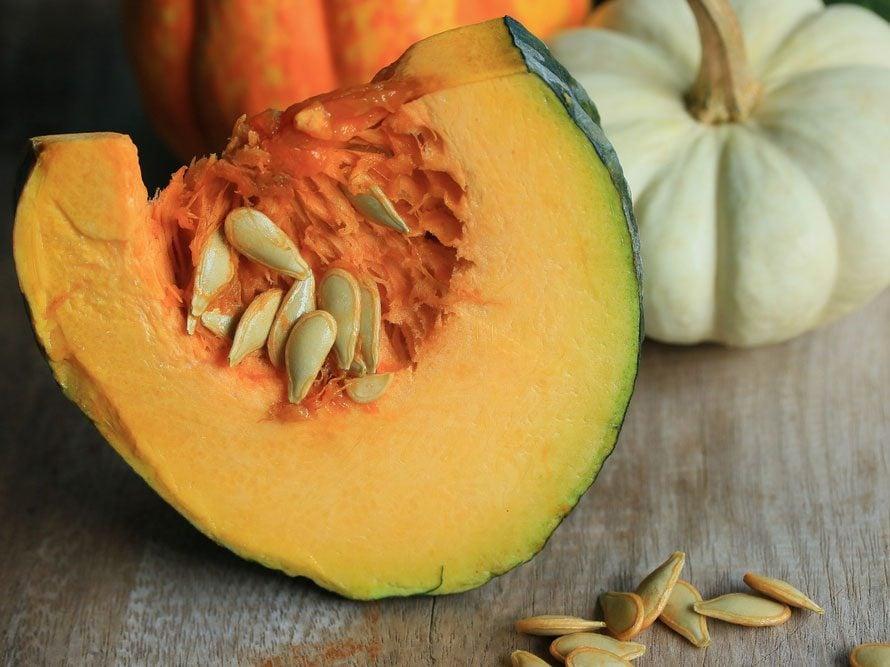 12. Les graines de citrouille favorisent l'élimination des calculs rénaux