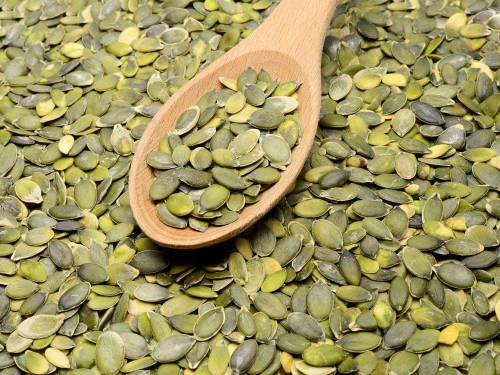 7. Les graines de citrouille permettent de faire baisser le niveau de «mauvais cholestérol».
