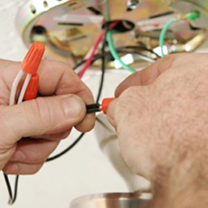 2.Embauchez un électricien qualifié