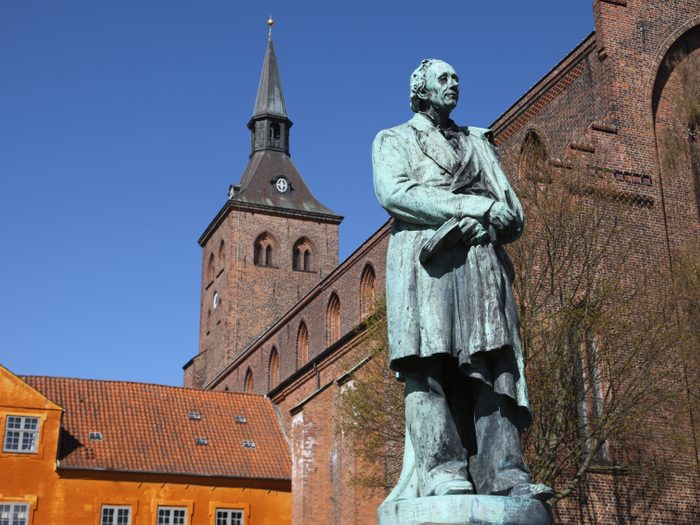 2. L'excentricité de Hans Christian Andersen