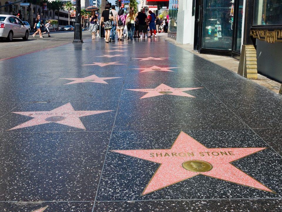Hollywood Walk of Fame est l'une des rues les plus populaires au monde.
