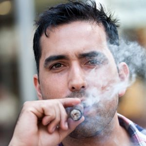 2. Messieurs,  cessez de fumer!
