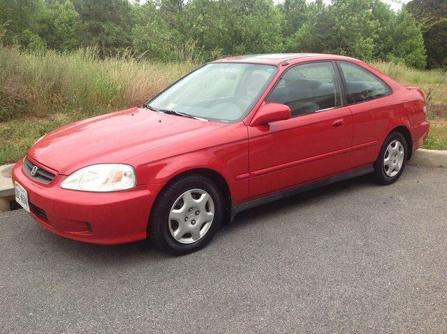 Voitures les plus volées au Canada : Honda Civic Coupé à deux portes 1999