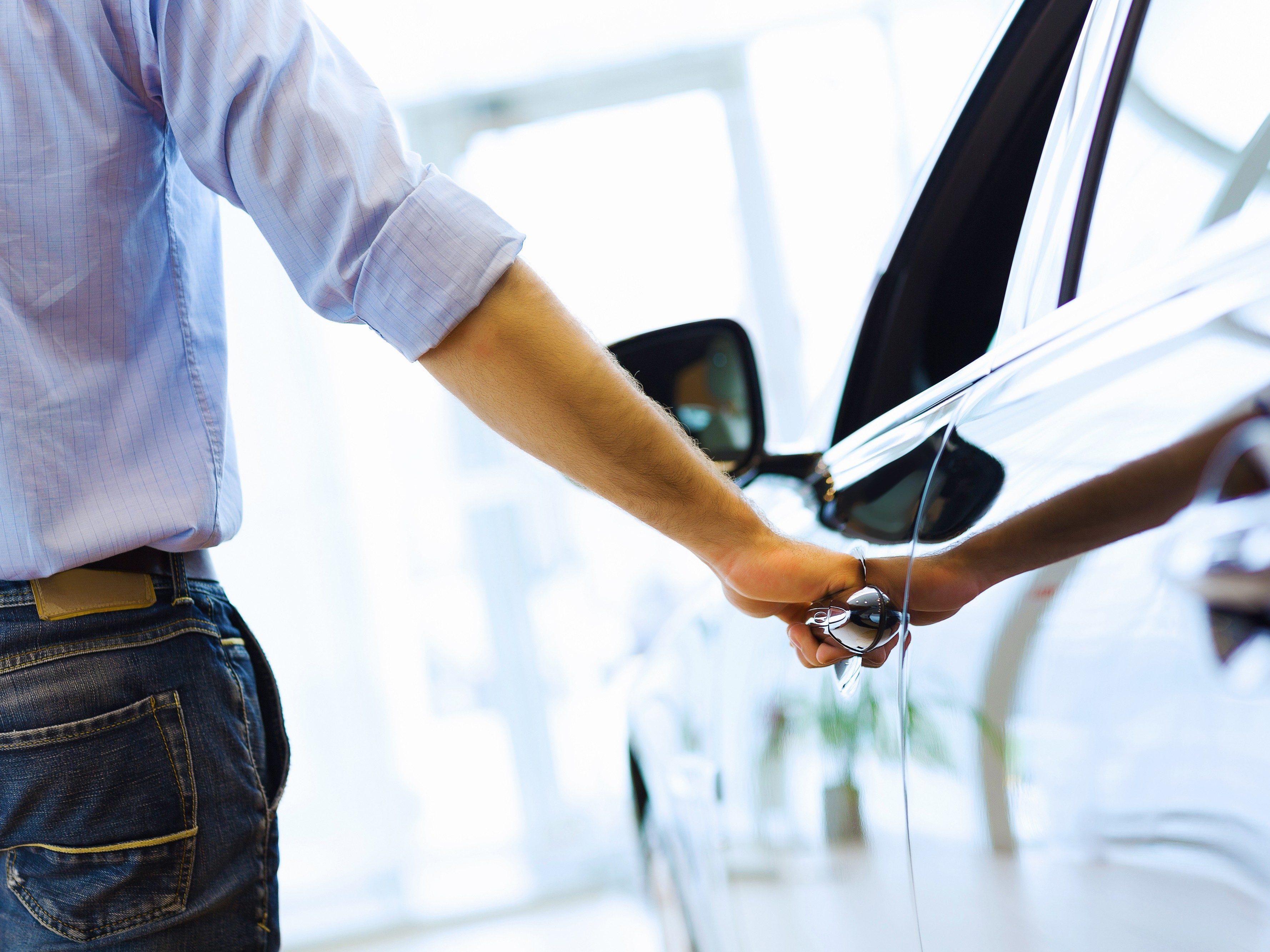 Comment réparer les vieilles serrures de vos portes d'auto