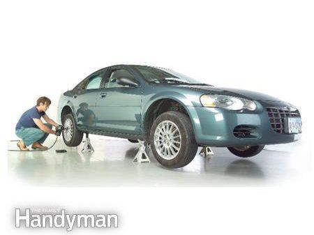 1. Lever et soutenir une voiture avec un cric de façon sécuritaire