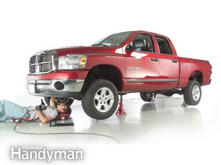 Comment lever et soutenir un camion avec un cric de façon sécuritaire?