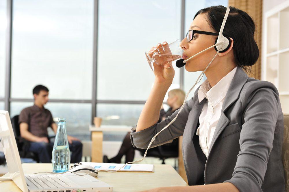 Gestion du stress: prenez des moments pour vous détendre et bien vous hydrater.