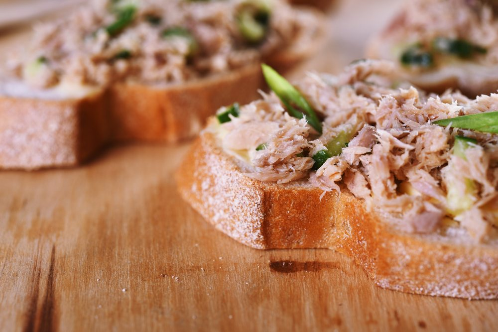 10. Bruschetta aux poivrons, au thon et au parmesan