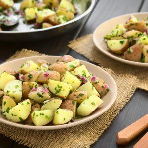 Salade aux trois pommes de terre et au bacon