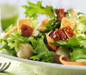3. Mangez des légumes verts crus et feuillus