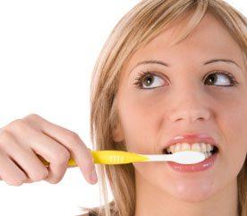 Le tiers des Canadiens adultes souffrent de gingivite (une inflammation des gencives qui entraîne de la rougeur, de l'inflammation et des saignements). Que peut-on faire ?