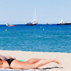 9. La plage de Tahiti à Saint-Tropez en France