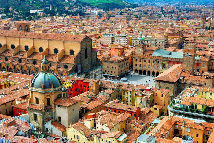 2. En Italie, ne mangez surtout pas sur les marches d'une église