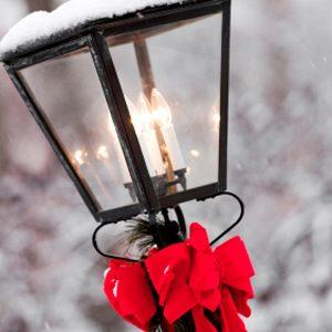 9. Fixez un ruban sur vos lampes