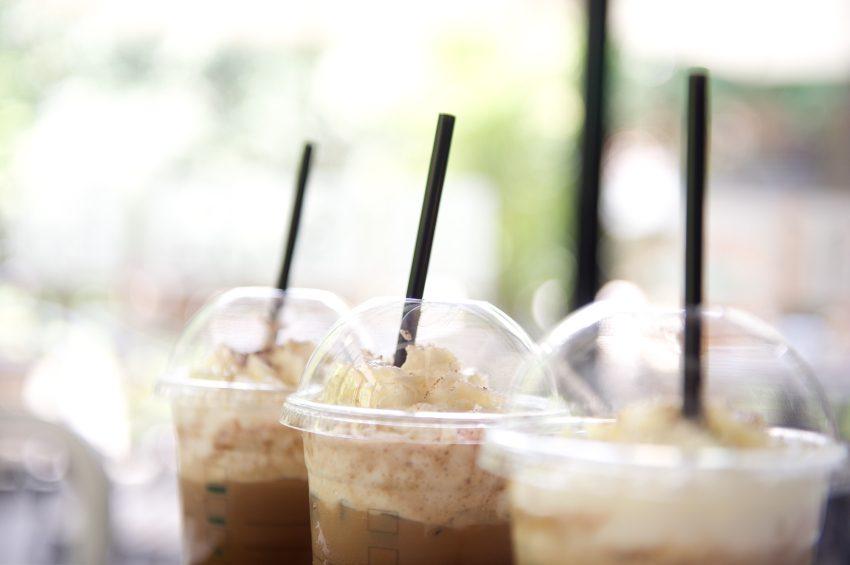 9. Évitez de boire ce latte sucré à la vanille (quadruple dose) chaque matin