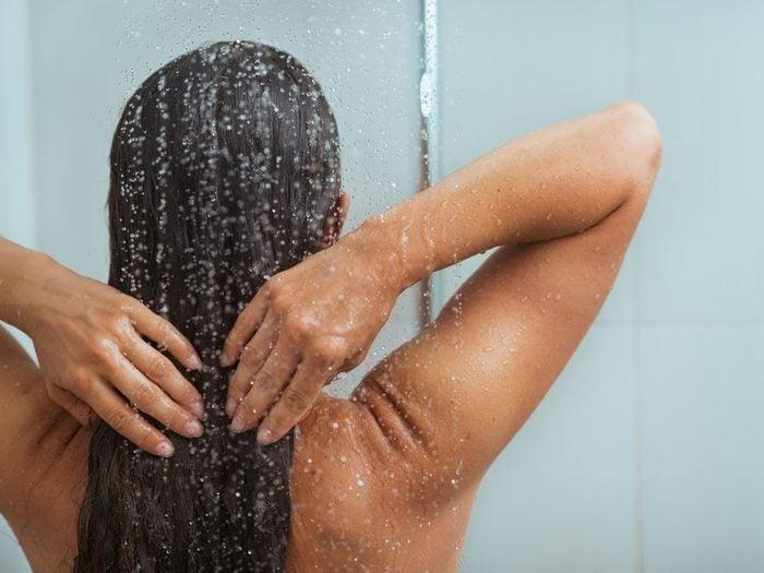 Le bicarbonate de soude pour laver vos cheveux