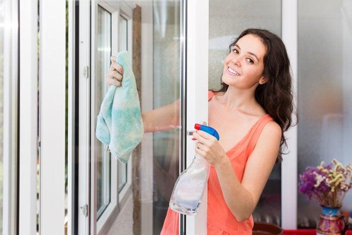 Utilisez le borax pour nettoyer vitres et miroirs