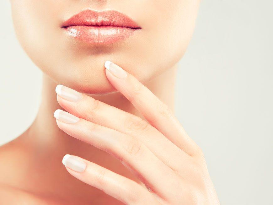 La liposuccion pour diminuer la peau relâchée sous le menton