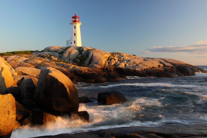 Au Canada il y a le plus long littoral.