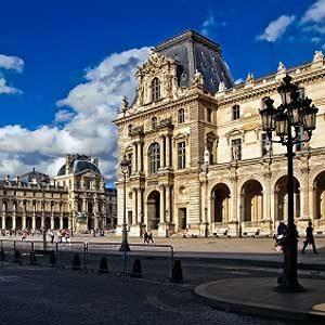 2. Le Musée du Louvre: l'un des meilleurs sites touristiques de Paris