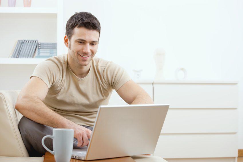 Vous comptez acheter votre prochain voyage en ligne? Lisez ceci!