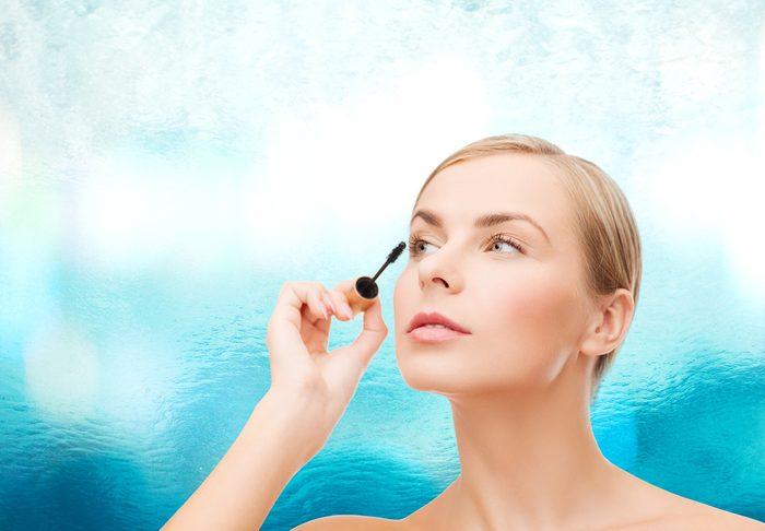 Une erreur beauté des yeux: utiliser du mascara hydrofuge tous les jours