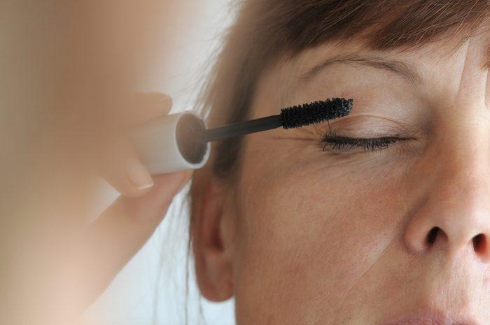 Une erreur beauté des femmes de plus de 40 ans: ne pas utiliser un maquillage adéquat