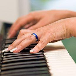 Nettoyer des touches de piano en ivoire