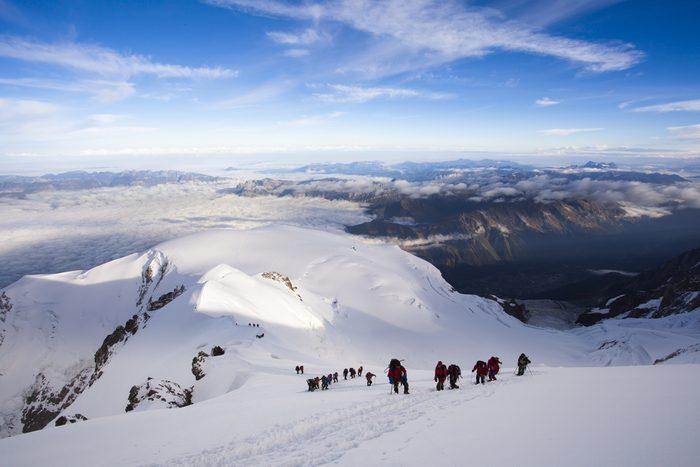 L'ascension du Mont Blanc est l'une des randonnées les plus populaires au monde.