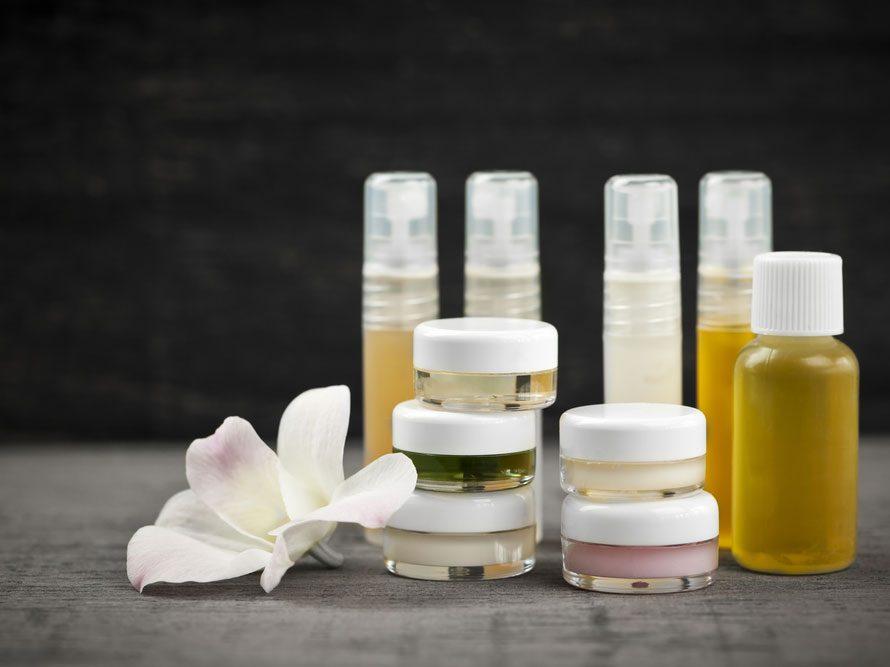 7. N'utilisez qu'une marque de produits pour la peau