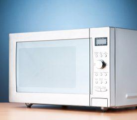 7. Nettoyez votre four à micro-ondes avec du bicarbonate de soude
