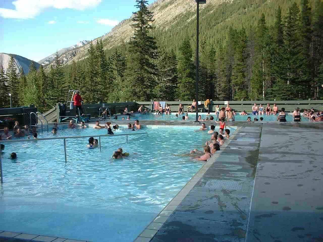3. Sources thermales Miette, Alberta, Canada