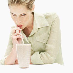 5. Le milk-shake poire-myrtilles