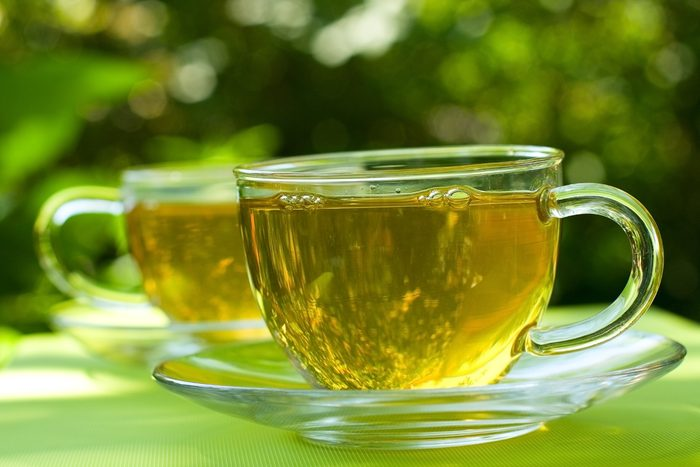 Une taille fine avec le thé vert