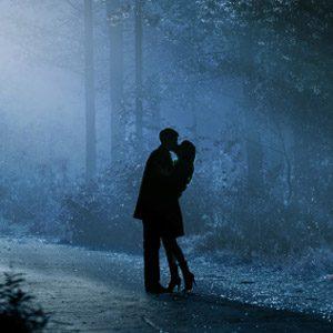 5. Embrassez-vous sous la pleine lune