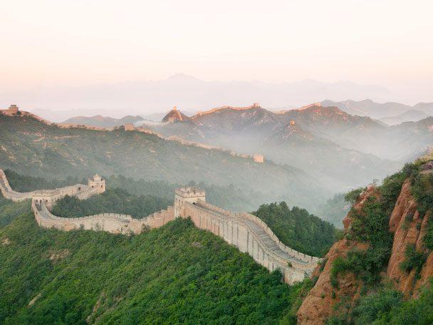 Le selfie aventureux: descendre en luge la Grande Muraille de Chine