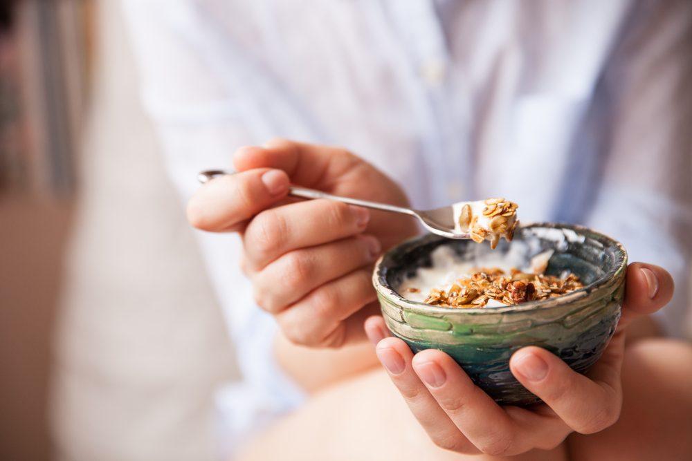 Parmi les meilleurs déjeuners pour maigrir : muesli maison faible en matière grasse.