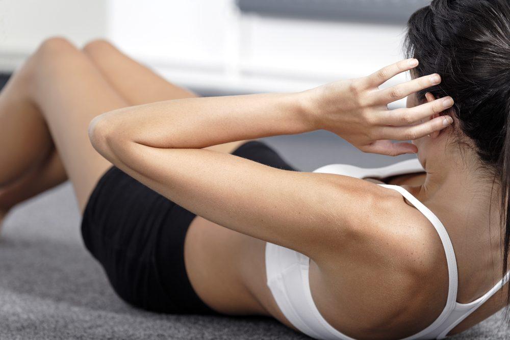 Mythe : Les demi-redressements assis sont le moyen formidable d'avoir le ventre plat